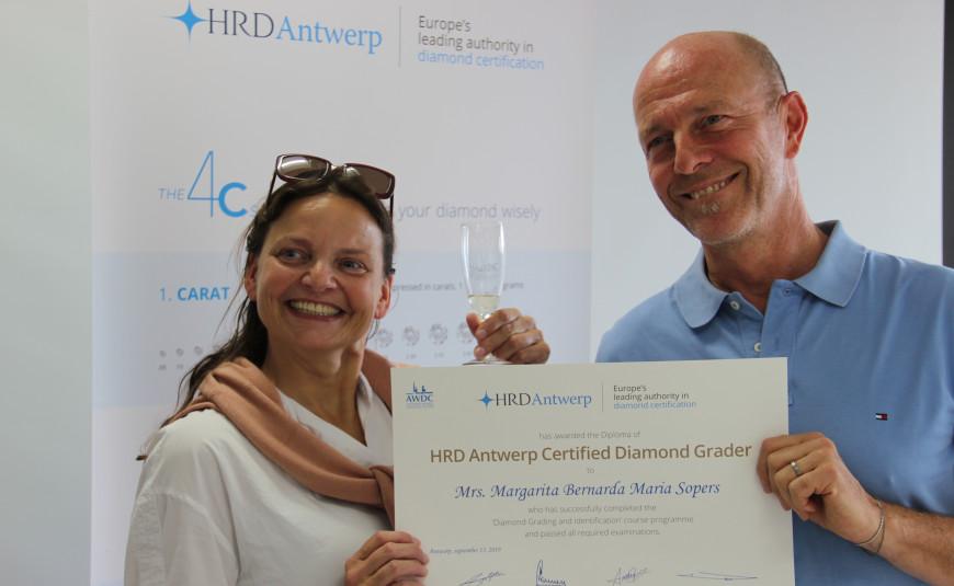 Certified Diamond Grader / English